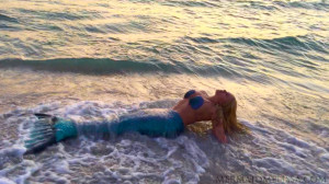 mermaid-model-mermaid-melissa-ocean-tail-sunset