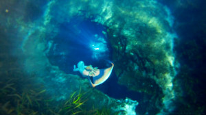 mermaid-melissa-cave-underwater-photography-professional-mermaid-model